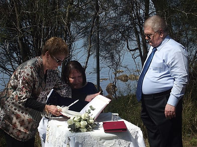 Wedding by the shores of Lake Maquarie