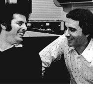 Daniel Barenboim asking Rodney Friend for a Heifitz slide