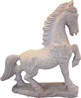 Pferdefigur aus Stein