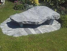Steinliege für den Garten