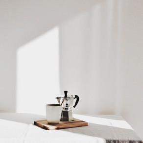 Tómate un café contigo mismo, o... dos.