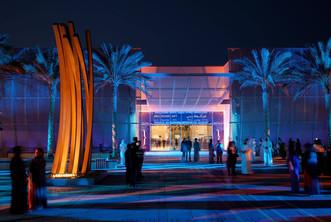 Installation of Bernar Venet's sculpture '79.5° Arc x 9' at the Plaza of Manarat Al Saadiyat, Abu Dh
