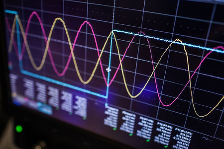 Digital oscilloscope is used by an experienced electronic engineer in the laboratory.jpg