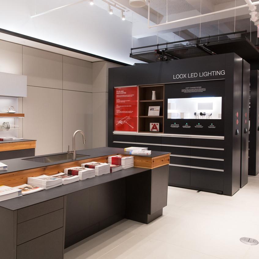 Space saving showroom display