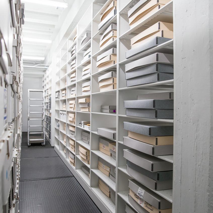 corporate-museum-archives-spacesaver-compactors-shelving