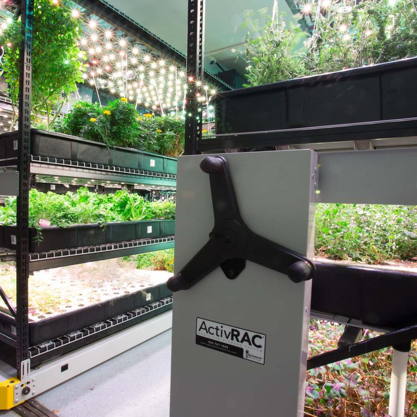 farmone-hydroponic-herb-shelves