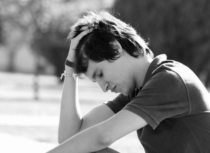 depression-symptoms-man-person-crop
