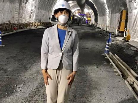 7/21『山鳥坂ダム周辺工事の、トンネル内視察』