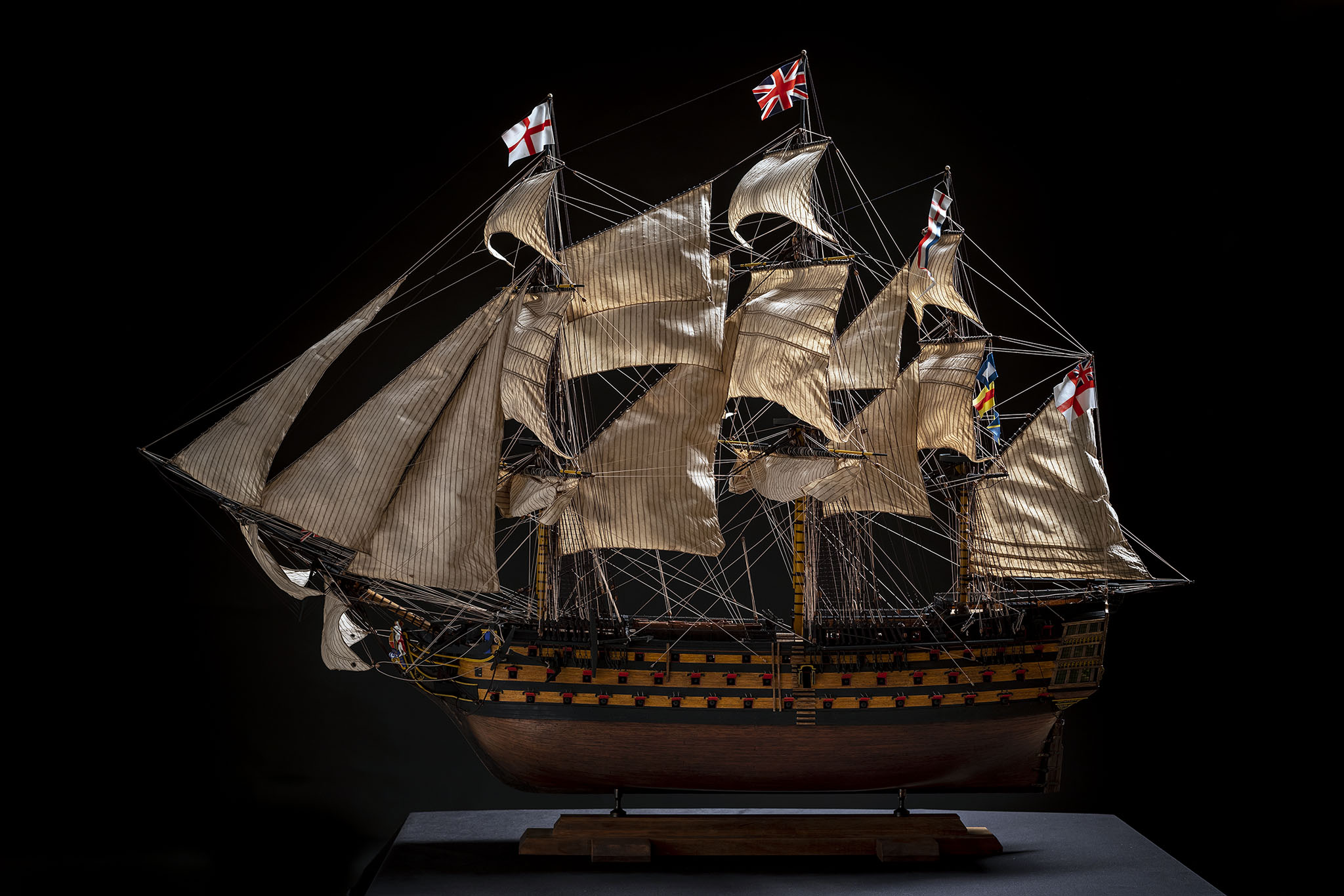 H.M.S. VICTORY - 1765 (Scale 1:84)