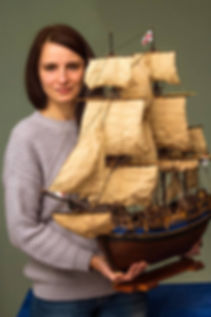 Ship modeler photographer