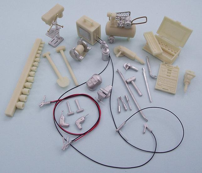 Kit Form Services #TQM164 workshop equipment. 1/24th scale.