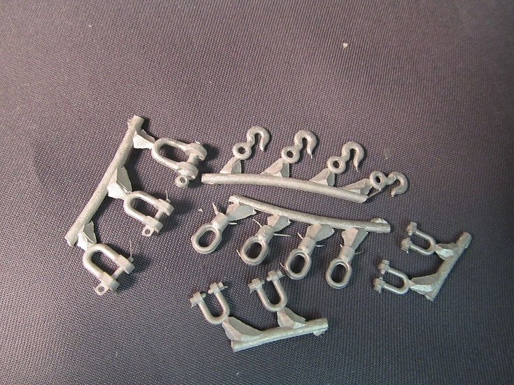 KFS #TQMT12 - Hooks, shackles, D Rings. 1/24th scale.