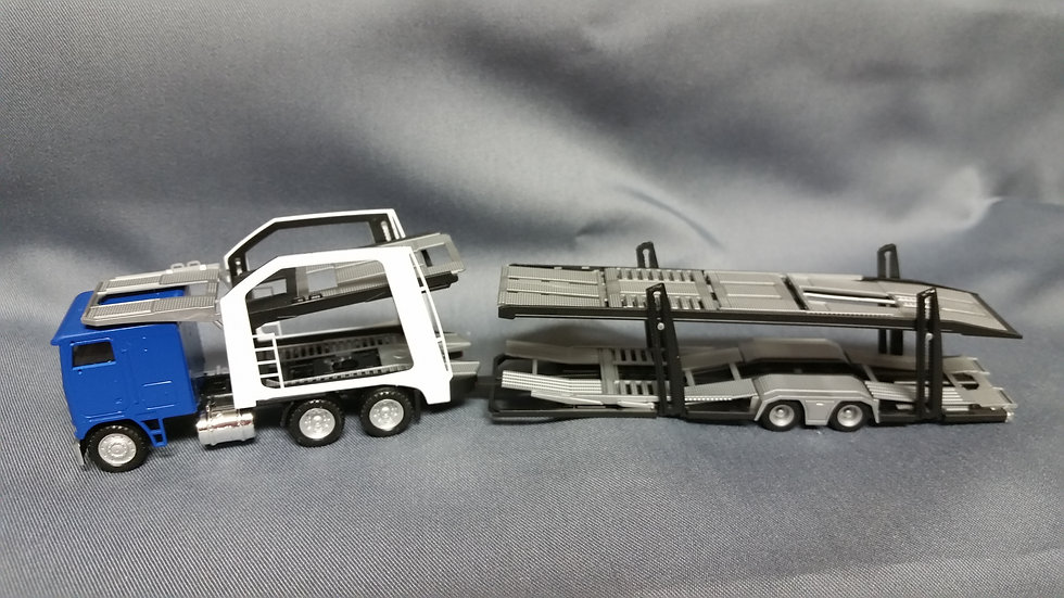 Herpa #6472 - Freigtliner Cabover Auto Carrier