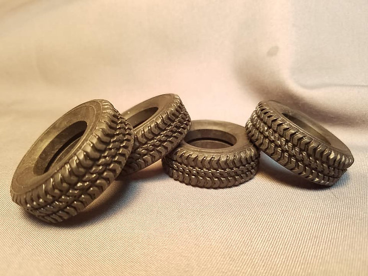 KFS #TQ80 - Rubber tire with heavy duty axle tread. Set of four. 1/24th scale.