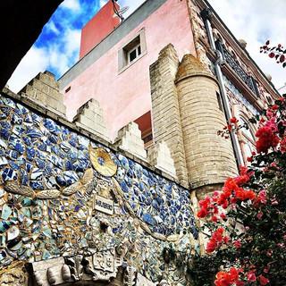 The extraordinary external walls and gar