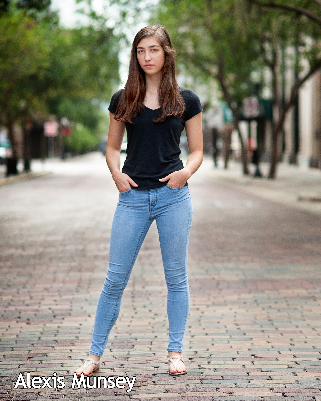 Alexis.Munsey_1024_8x10 (Full length)