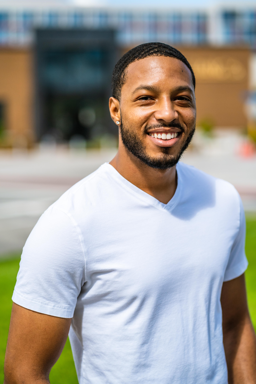 Jordan Thomas - Pro Headshot
