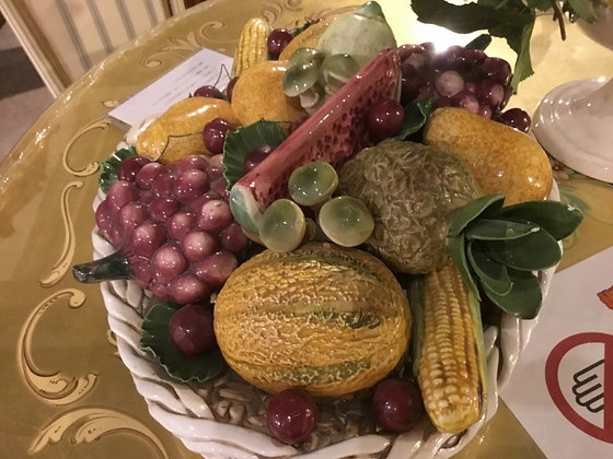 陶器の果物かご