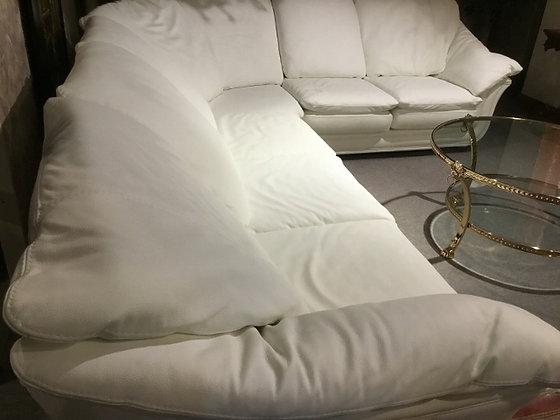 白のコーナーソファ