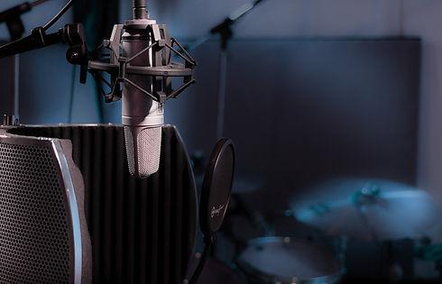 studio-3863719_1920.jpg