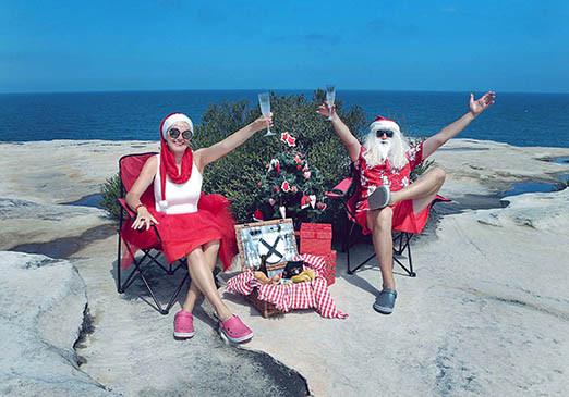 38 Santa Goes On Holiday by Aleksandra Walker