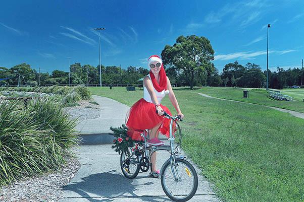 25 Santa Goes On Holiday by Aleksandra Walker