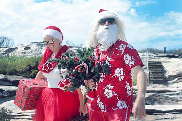 34 Santa Goes On Holiday by Aleksandra Walker