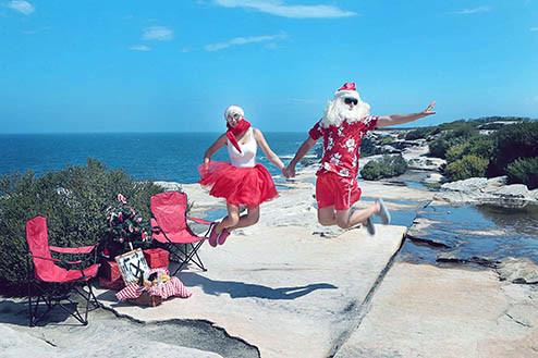 39 Santa Goes On Holiday by Aleksandra Walker