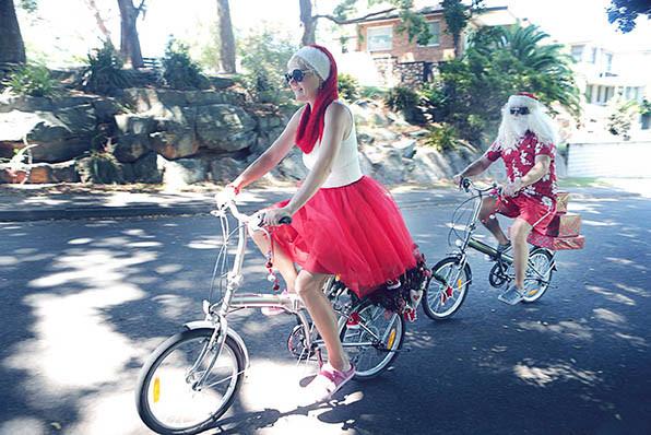 23 Santa Goes On Holiday by Aleksandra Walker