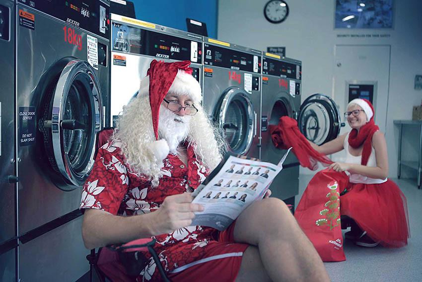 06 Santa Goes On Holiday by Aleksandra Walker