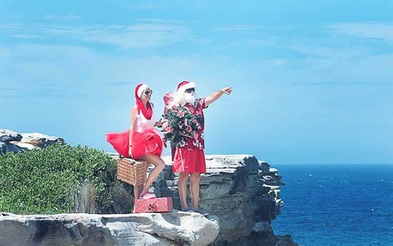 35 Santa Goes On Holiday by Aleksandra Walker