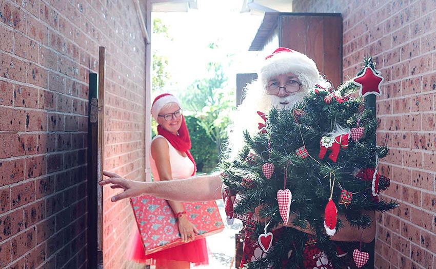03 Santa Goes On Holiday by Aleksandra Walker