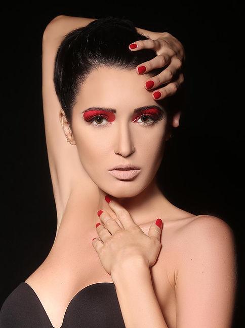 correctly printed image of a model beauty shot