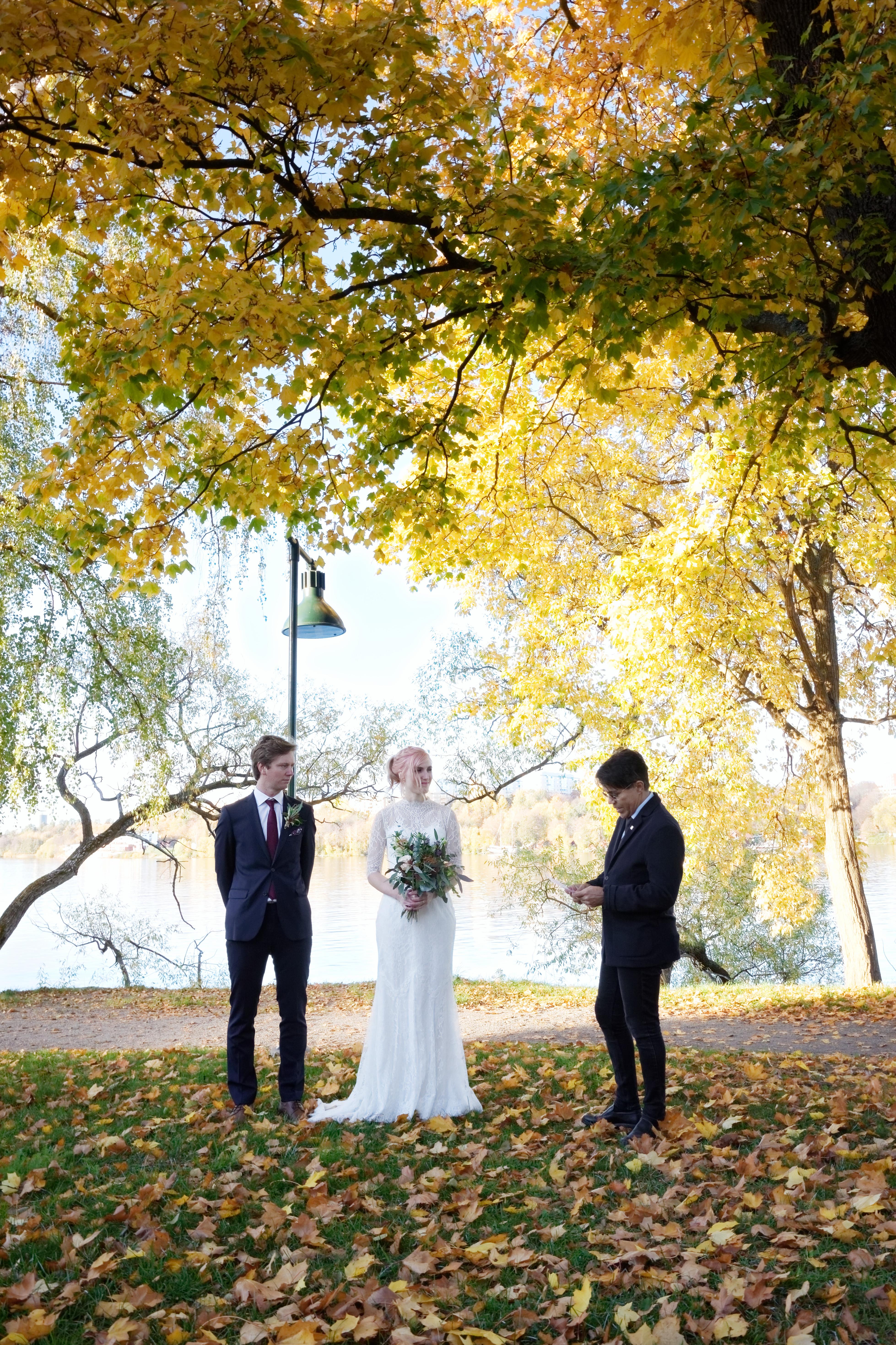 Vigselceremoni 1, höstbröllop - Elle