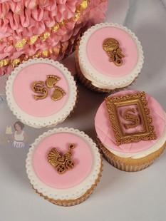 baby_girl_baby_shower_cupcakes_oak_park_