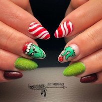 The Grinch who stole Christmas 🎄#nails