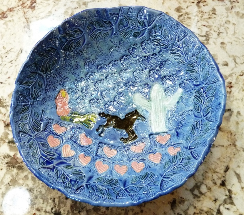 Example of Paula's handcrafted ceramic bowls