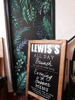 Lewis's Moseley