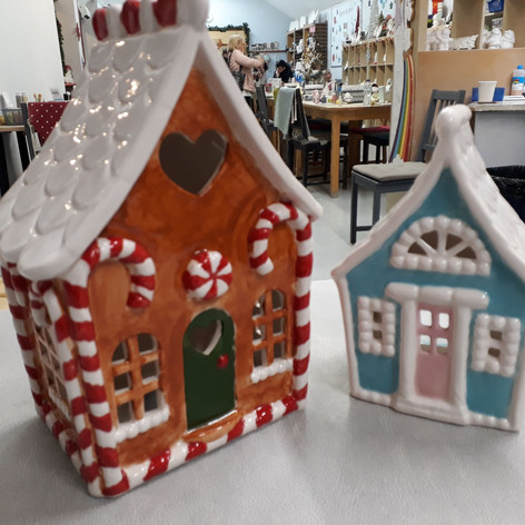 Gingerbread house painting