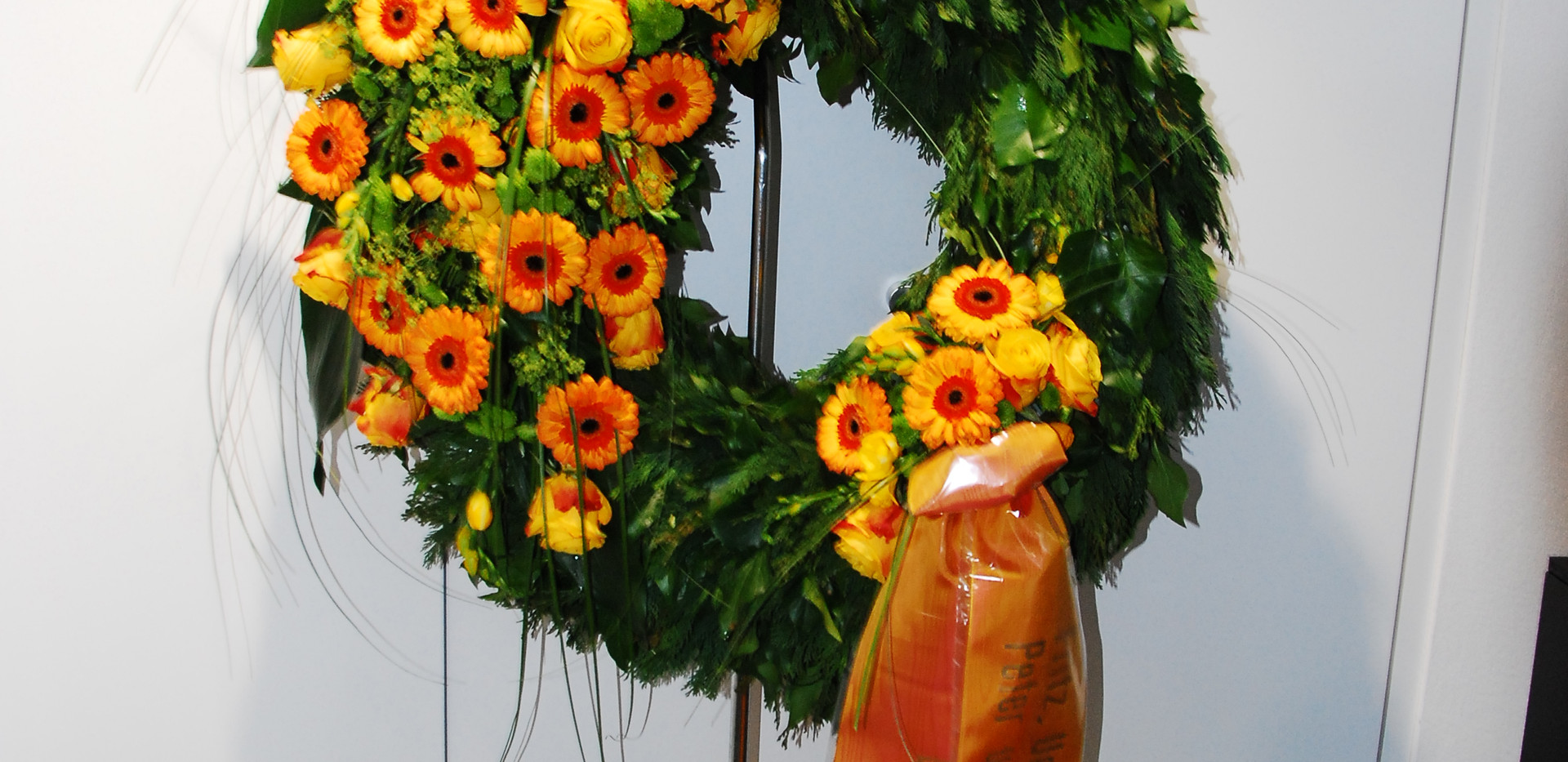 Blumenkranz_orange_04a.JPG