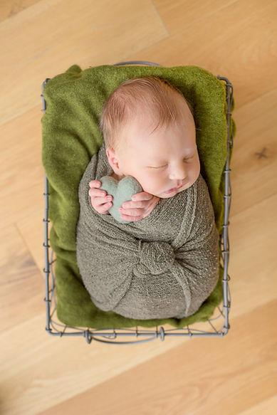 newborn baby specialist photographer mobile session at home bristol bath cheltenahm gloucester