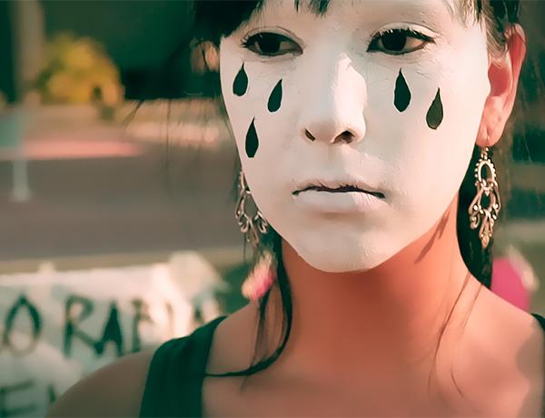 Still from music video TODO SANA