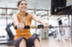 cardio-training, exercice du rameur, ideal pour le renforcement du dos