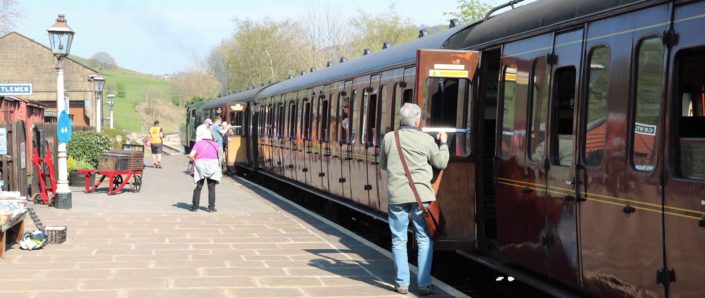 Train at oakworth station
