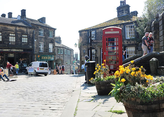 Top of Haworth mainstreet.jpg