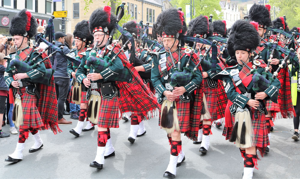 A bagpipe band at the Ilkley Festival parade