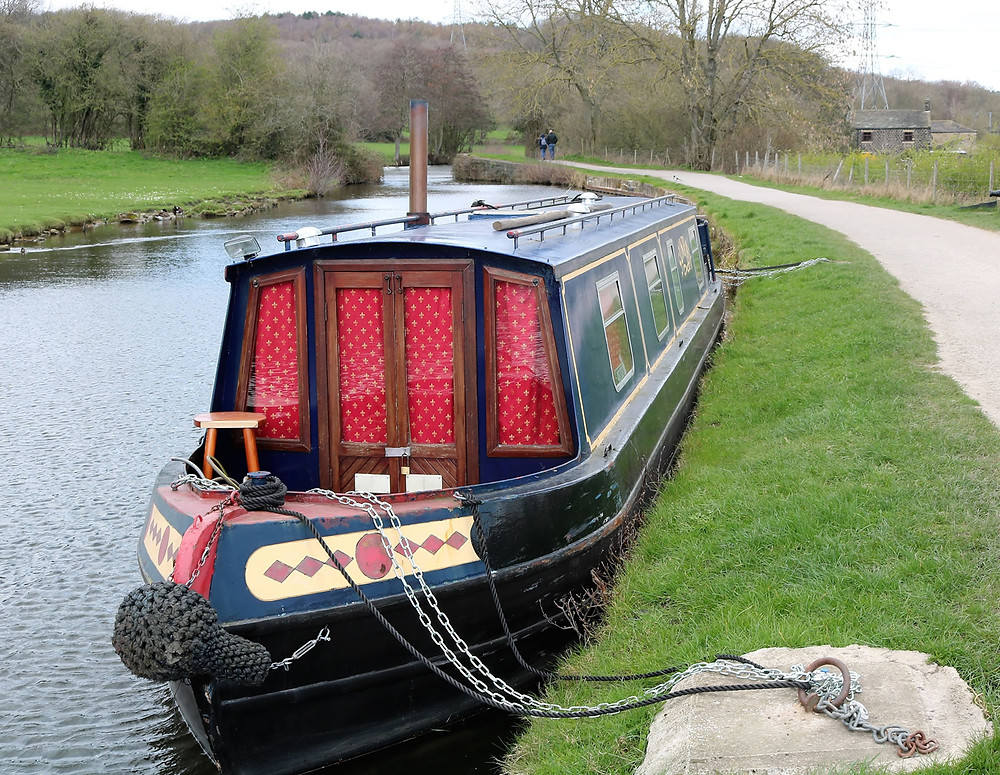 Canal boat moored above Dobsons locks