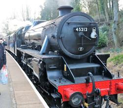 Hawoth station loco 45212