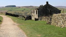 Derelict farmhouse Haworth moor