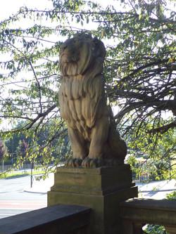 Bradford lion sejant Queen Victoria Memorial